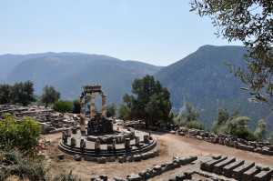 La Thòlos di Athena Prònaia